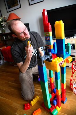 Stef unwittingly builds the first Duplo Anal Intruder